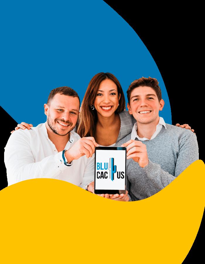 BluCactus - 3 junge Mitarbeiter der Werbeagentur bringen Vertrauenswuerdigkeit rueber